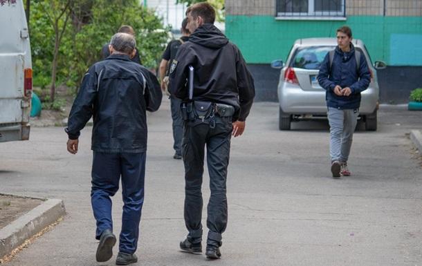 В Днепре неизвестный обстрелял пенсионеров во дворе дома