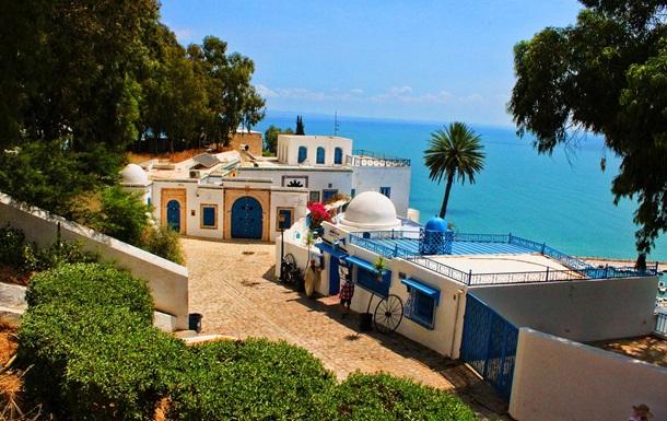 У Тунісі продовжили надзвичайний стан