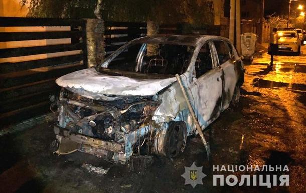 У Рівному спалили машину секретаря міськради