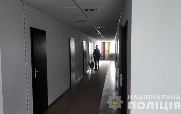 В Харькове  минировали  отель и торговый центр