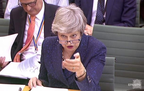 Міністра оборони Великобританії звільнили через слова про здоров я Мей