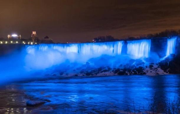 Ніагарський водоспад  посинів  на честь народження сина принца Гаррі і Меган