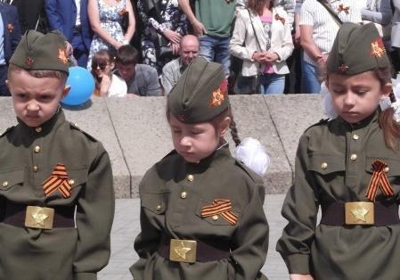 Как в ДНР детей вербуют в армейский корпус?