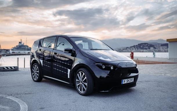 Немецкая компания запустила в производство первое авто на солнечных батареях