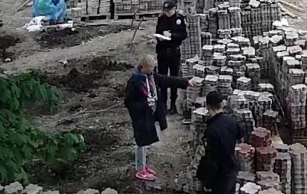 Одеську активістку облили фекаліями