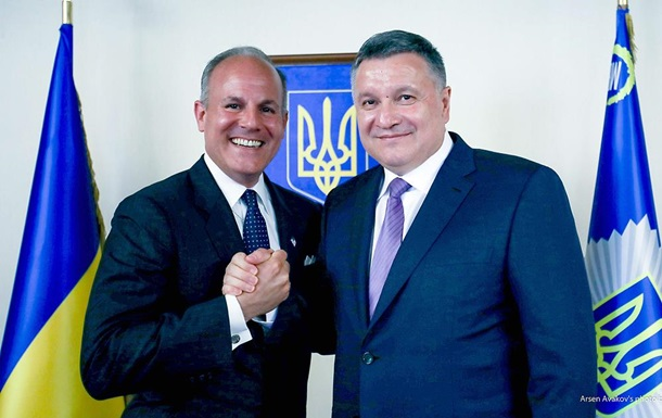 Спецпосланець США назвав Україну  дружнім місцем для євреїв