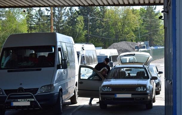 У заторі на кордоні з Польщею продовжують стояти півтисячі авто