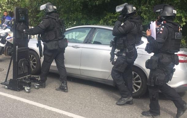 Заручників у Франції захопив підліток - ЗМІ