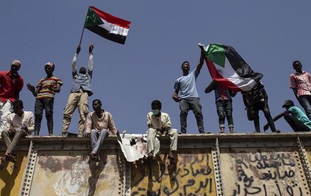 Опозиція у Судані закликає до поновлення протестів