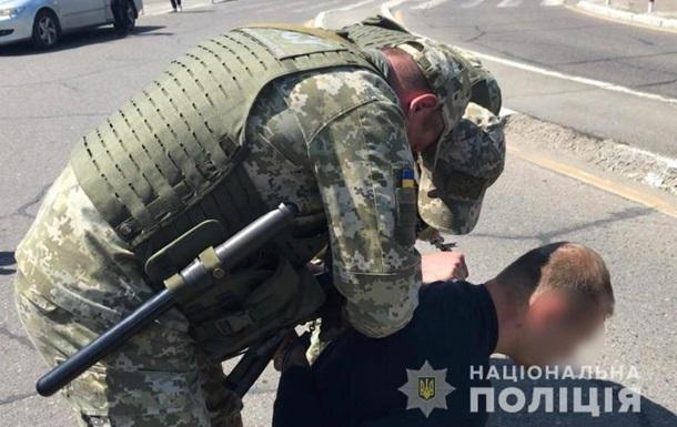 Поліція розкрила схему вербування українців для перевезення нелегалів