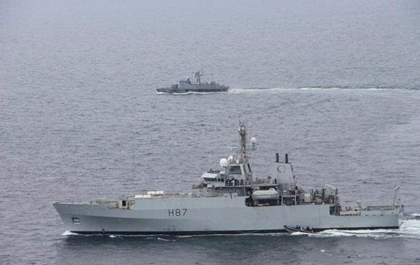 Український катер і британський корабель провели навчання в Чорному морі