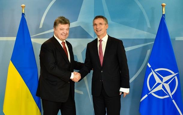 Генсек НАТО запросив Порошенка на зустріч