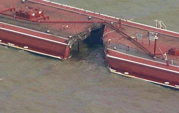 У Х юстонський канал витекли тонни нафтопродуктів