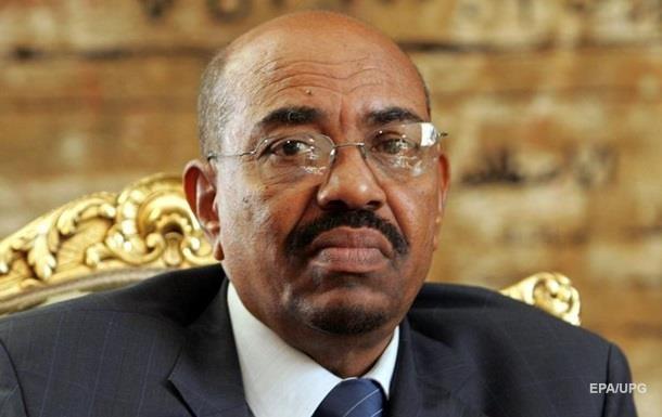 Відсторонений президент Судану зізнався в корупції