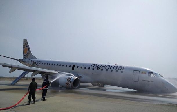 В аэропорту Мьянмы жестко сел самолет