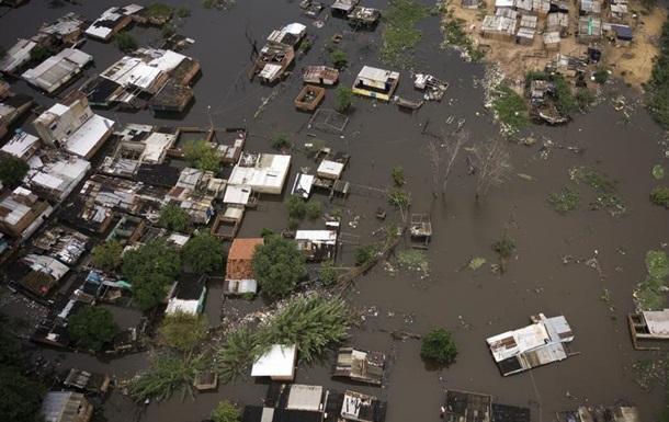 Парагвай потерпає від рясних злив та повеней