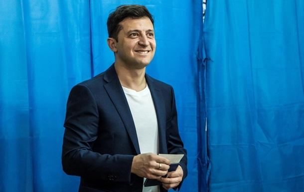 Зеленського оштрафували за демонстрацію бюлетеня