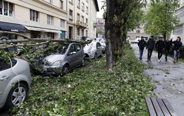 У Хорватії вирує потужний ураган: людей просять залишатися вдома