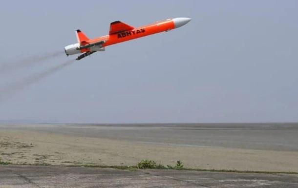 Индия испытала высокоскоростной самолет-мишень