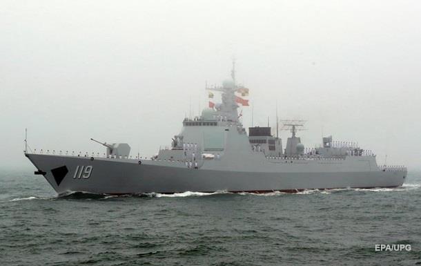 Китай спустил на воду два новых эсминца