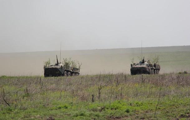 Десантники провели учения в Приазовье