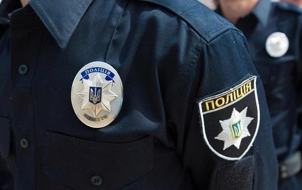 В Сумской области полицейского облили кислотой