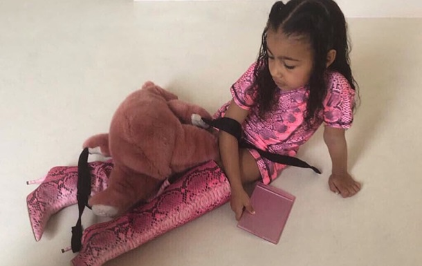 Клип дочки Ким Кардашьян вызвал фурор в сети