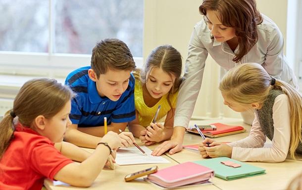 МОН: Грошей на підвищення зарплат вчителям немає