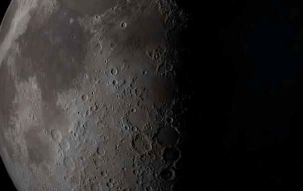 НАСА показала место крушения зонда на Луне