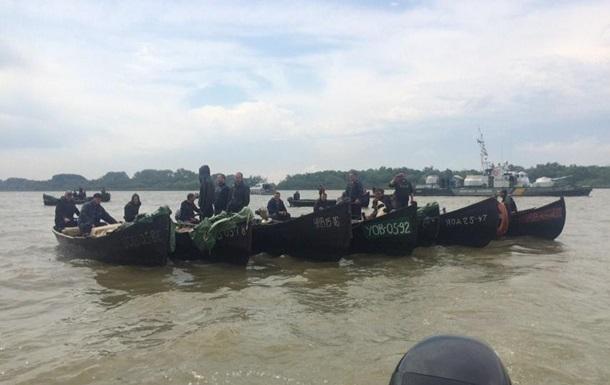 Рыбаки перекрыли Дунай в Вилково