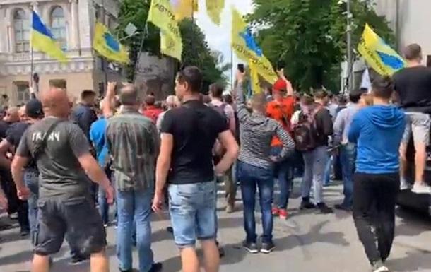 У Києві  євробляхар  наїхав на поліцейського