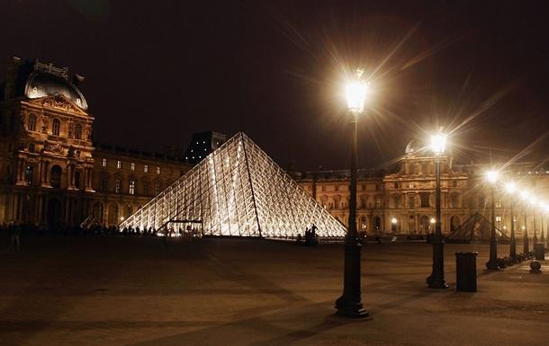 У США помер творець скляної піраміди Лувра