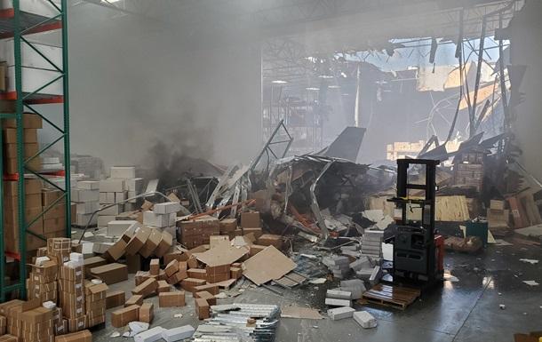 У США винищувач F-16 врізався в будівлю