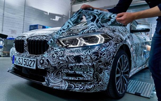 BMW X1: фото