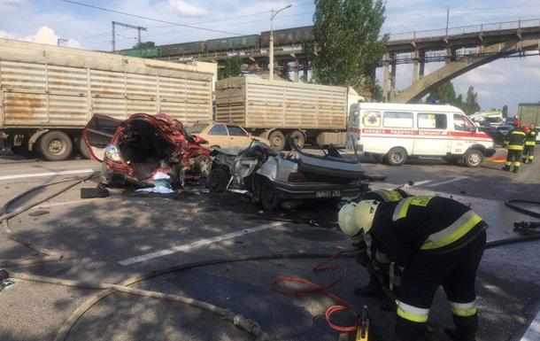 В жутком ДТП в Днепре погибли два человека