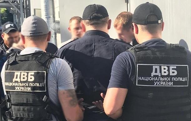 В Одесі двох поліцейських затримали за хабарі