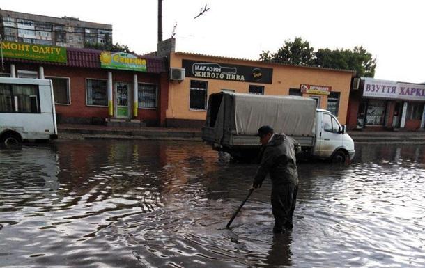 У Кропивницькому через дощ підтопило вулиці