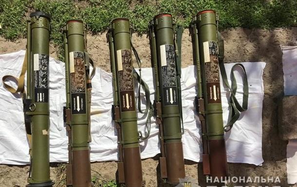 Полиция нашла арсенал оружия, расследуя взрыв в Приватбанке