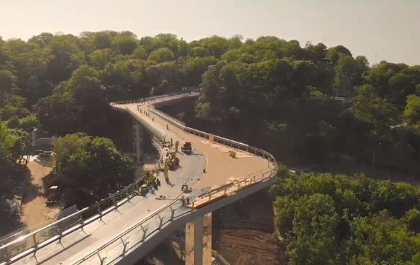 Владимирский мост показали с высоты птичьего полета
