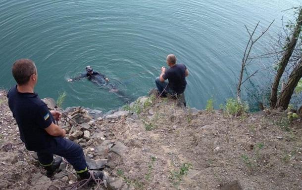 У Кривому Розі підліток під час селфі впав у кар єр і загинув
