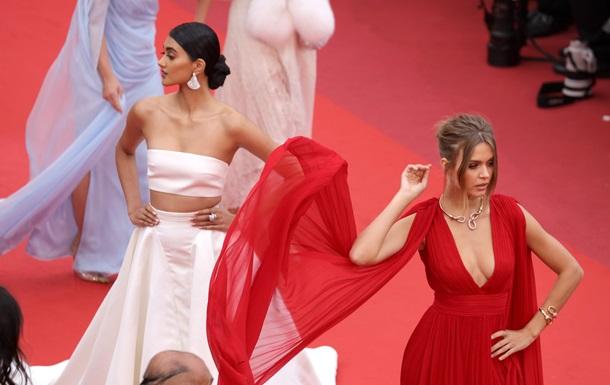 Випускний-2019: гід трендовими сукнями