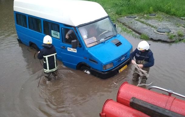 В Украине из-за урагана обесточены почти 150 населенных пунктов