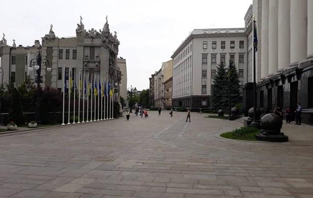 Зеленский открыл проход на Банковую