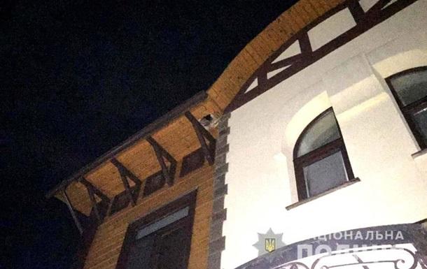 Рівненському бізнесменові вночі в будинок кинули гранату
