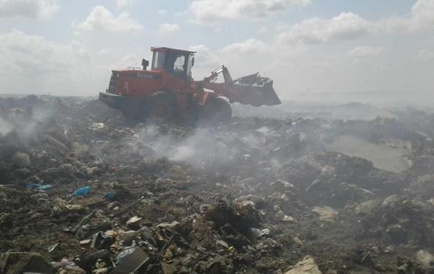 На Николаевщине три дня тушили мусорную свалку