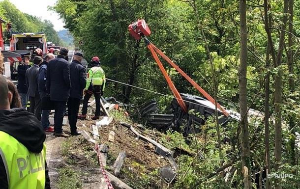 ДТП з автобусом в Італії: кількість постраждалих перевищила 30 осіб