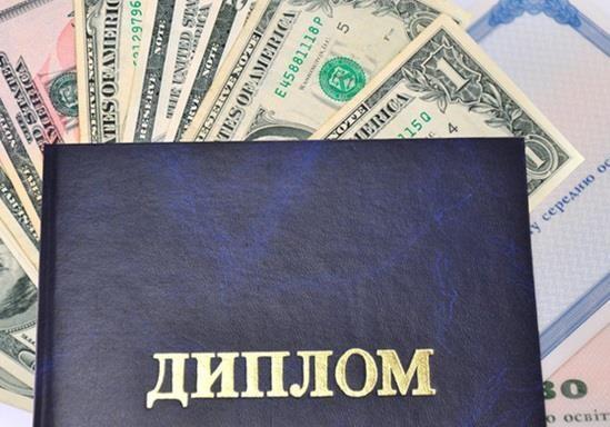 Корупція досягла таких висот, що, хто не «бере», той «не виживає»