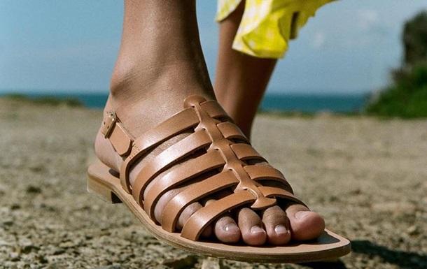 Болезненные  ноги модель вызвали шок в пользователей