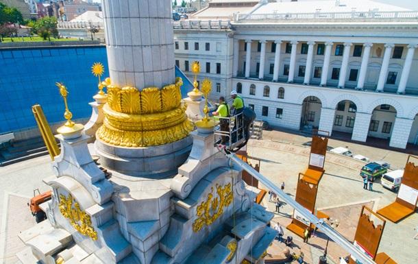 У Києві помили Монумент Незалежності