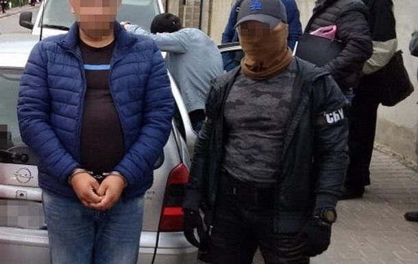 СБУ затримала банду, що  вибивала  неіснуючі борги у бізнесменів